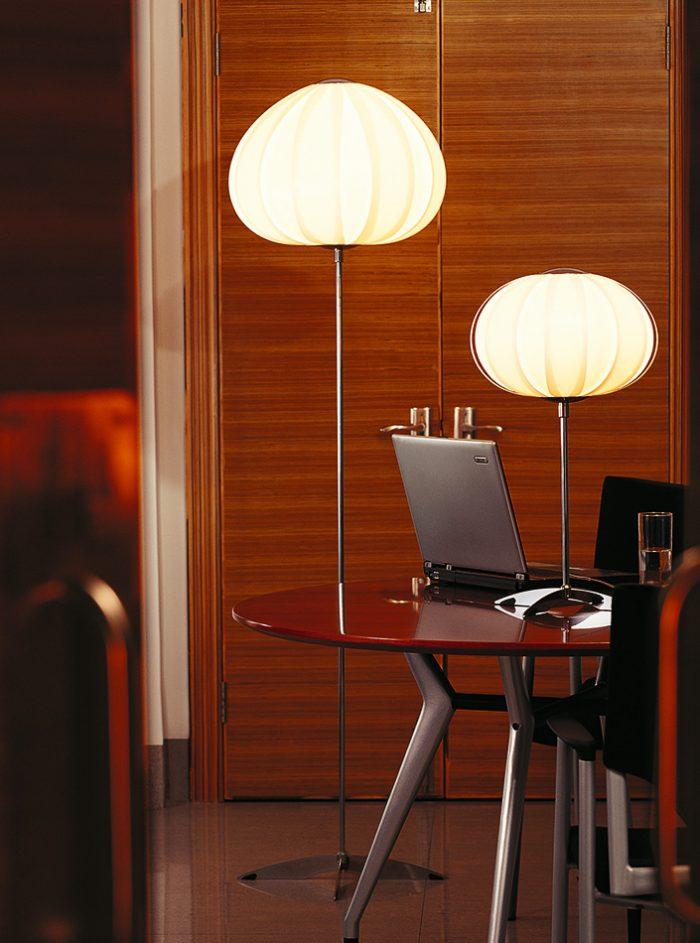 Balloon Floor Lamp with Shade