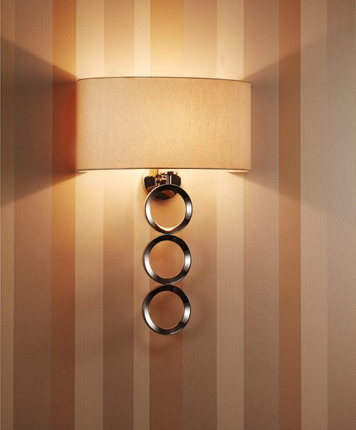 Delta  3 Wall Lamp