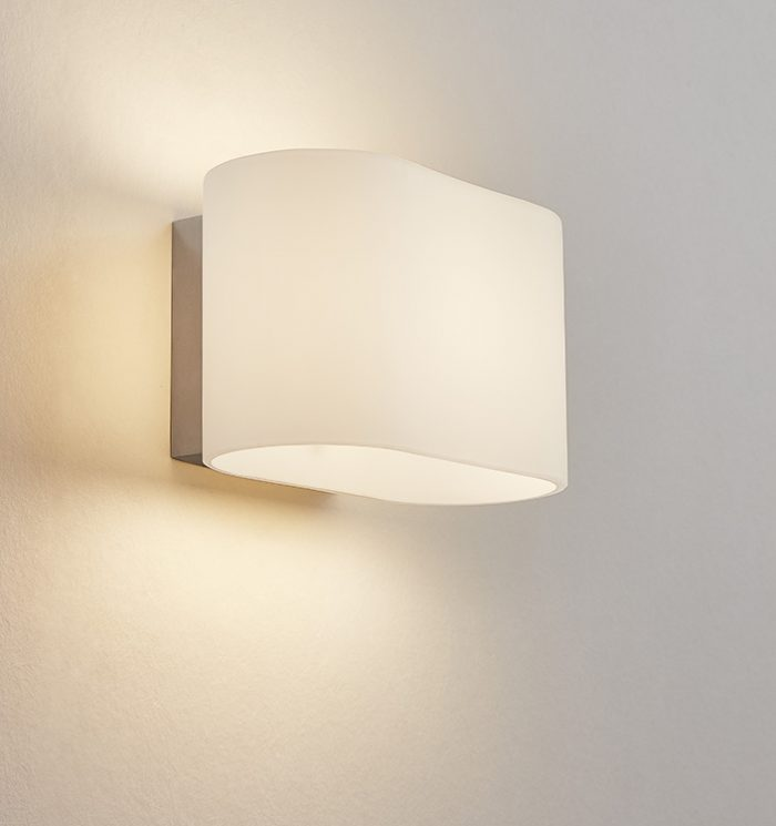 Ice Oval Glass Wall Lamp